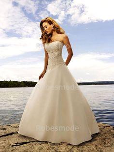 Les nouveautés des robes de mariée Eglise A-ligne Sans bretelles Traîne palais 001