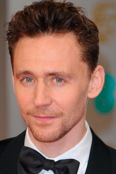 Tom Hiddleston attends the EE British Academy Film Awards at The Royal Opera House on February 8, 2015 in London. Source: http://torrilla.tumblr.com/post/110737281335/tom-hiddleston-attends-the-ee-british-academy-film. [Full size photo: http://imgbox.com/RIhdcLvm]
