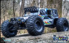 Image from http://www.radiocontrolpatrol.com/wp-content/uploads/2015/02/RC-Patrol-Picture-The-Motley-Spider-Axial-Yeti-RTR-aka-thetinyunit_6.jpg.