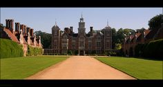 Blickling Hall is a stately home in the village of Blickling north of  Aylsham in Norfolk, England, that has been in the care of the National  Trust since 1940.  The current Blickling Hall was built on the ruins  of the old Boleyn property in the reign of James I, by Sir Henry  Hobart, Lord Chief Justice of the Common Pleas and 1st Baronet, who  bought Blickling from Robert Clere in 1616.