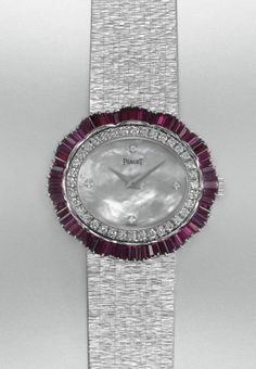 Diamond Watches Ideas : Piaget Vintage - Montre - 1966 - Watches Topia - Watches: Best Lists, Trends & the Latest Styles Stylish Watches, Luxury Watches For Men, Fancy Watches, Ring Watch, Bracelet Watch, Bling Jewelry, Vintage Jewelry, Jewellery, Art Deco Watch