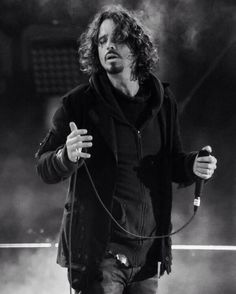 Love this picture...it shows a dark intensity about him #chriscornell