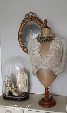 Beautiful Display of Vintage Treasures ~