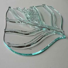 Kiln Forming - Leaf before Fused Glass Plates, Fused Glass Art, Stained Glass Art, Mosaic Glass, Glass Fusion Ideas, Slumped Glass, Kiln Formed Glass, Fire Glass, Glass Wall Art