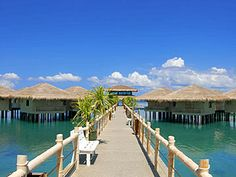 Featuring outdoor tennis courts and a swimming pool, the Dos Palmas Arreceffi Island Resort Puerto Princesa City also has a sauna and a spa . Around The World In 80 Days, Travel Around The World, Best Hotel Deals, Best Hotels, Philippines Palawan, Puerto Princesa, Water Activities, Island Resort