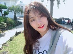 ˚ ༚  ➳❥ @yujichuu Red Lace Prom Dress, Blush Prom Dress, Prom Dresses Long With Sleeves, Lace Bridesmaid Dresses, Korean Girl Fashion, Digital Art Girl, Sweet 16 Dresses, Wattpad, Selfie