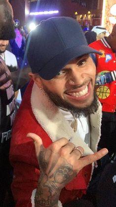 Chris Brown Fotos, Chris Brown Videos, Chris Brown Art, Chris Brown Pictures, Chris Brown Style, Breezy Chris Brown, Just Beautiful Men, Gorgeous Black Men, Chris Brown Photoshoot