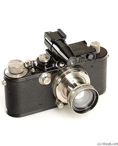 Leitz: Leica III (Mod.F) black nickel Summar (rigid)1933-1939. The first Leica model with the slow-speed dial.