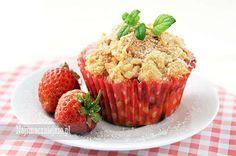 Muffiny z truskawkami i kruszonką, muffiny z truskawkami, babeczki z kruszonką, truskawki, http://najsmaczniejsze.pl #food