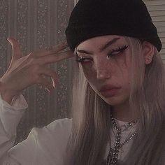 Badass Aesthetic, Bad Girl Aesthetic, Aesthetic Grunge, Edgy Makeup, Grunge Makeup, Punk Makeup, Scary Makeup, Photographie Indie, Fille Gangsta