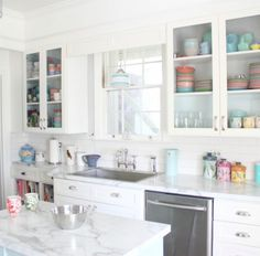 After sharing our new laminate kitchen countertops last week, I thought I'd share some other real homes withlaminate countertops. From kitchens to laundry rooms, I've rounded up ten images to show that today's laminate isn't your grandma's laminate.