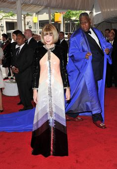 """Anna Wintour and Andre Leon Talley Photos - """"Alexander McQueen ..."""