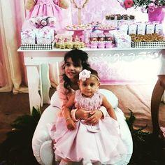 Sobrinhas. ❤❤❤❤ Amores da minha vida, luzes do meu caminho.Penso em vocês todos os dias, peço proteção, saúde e paz para suas vidinhas..Amo como mãe, um amor de mãe, de irmã e de tia. #sobrinhas #1aninholais #Lais #Antonella #amomuito #minhasprincesas http://misstagram.com/ipost/1549739687270421872/?code=BWByAjiFBVw