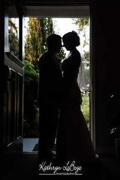 I love photographing silhouette. Of course, I had to do one for my brother's wedding.  McMenamins Edgefield Wedding Photography, Bride and Groom Photos, Kathryn LeBoye Photography