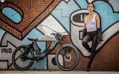 E-BIKE IL FUTURO DELLA MOBILITA' Le biciclette a pedalata assistita si accreditano a tutti gli effetti come le nuove protagoniste della mobilità per il prossimo futuro. Sono sempre maggiori le soluzioni innovative adoperate su quest