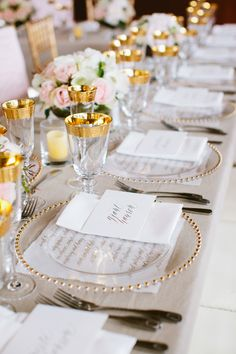 Decorate your reception table with simple wedding table setting ideas by adding suitable centrepieces for round and buffet dinner Table Place Settings, Wedding Place Settings, Free Wedding, Trendy Wedding, Wedding Ideas, Cruise Wedding, Spring Wedding, Gold Wedding Theme, Reception Table