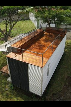 Container roof lounge/ seating area