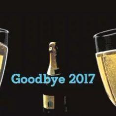 Feliz año a todos nuestros seguidores que este año les depare mucha prosperidad salud e unión que sigan permitiendome compartir sus reuniones otorgándole siempre lo mejor #happynewyear #felizaño #bartendervenezolano #Bartender #coktail #venezuela