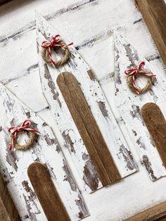 Dollar Tree Decor, Dollar Tree Crafts, Christmas Wood, Christmas Crafts, Christmas Ideas, Christmas Signs, Christmas Inspiration, Holiday Ideas, Merry Christmas