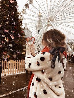 Christmas Feeling, Christmas Time Is Here, Winter Christmas, Ideas For Photoshoots, New Year Photos, Christmas Aesthetic, Winter Photos, Christmas Inspiration, Photo Poses