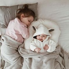 I wish you # # # peaceful sleep and # # happy dreams … # # You will # # # the thing you want – kinder mode Cute Little Baby, Baby Kind, Cute Baby Girl, Little Babies, Cute Babies, Baby Boy, Beautiful Children, Beautiful Babies, Foto Baby