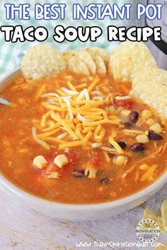 This taco soup recipe is absolutely delicious. It's really simple, and the Instant Pot just infuses all the flavors together like it's been cooking for hours, when it took no time at all. Pressure Cooker Soup Recipes, Low Carb Soup Recipes, Easy Soup Recipes, Beef Recipes, Dinner Recipes, Dinner Ideas, Chicken Recipes, Easy Taco Soup, Chicken Taco Soup