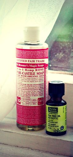 Forming Face wash DIY Only 3 ingredients - Pure Tea Tree Oil drops) Dr. Bronner's Organic Liquid Castile Soap (approx. Tea Tree Oil Antiseptic, Deodorant, Diy Savon, Diy Beauté, Diy Crafts, Be Natural, Natural Face, Natural Beauty, Castile Soap