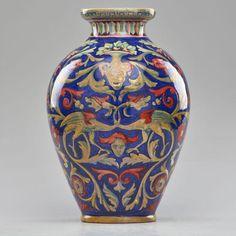 Majolica large urn in the style of Rubboli by Societa Ceramica, Umbria, Italy 1920s