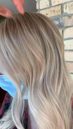Champagne Blonde Hair, Silver Blonde Hair, Light Blonde Hair, Blonde Hair Looks, Blonde Hair With Highlights, Balayage Hair Blonde, Thin Blonde Hair, Babylights Blonde, Blonde Foils