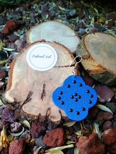 Blue leather handcut pair of earrings with black di PinkandSoul, €6.00
