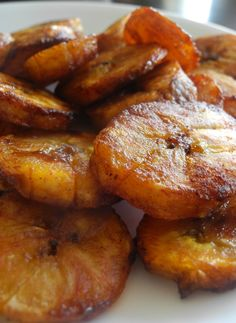 Sweet Caramel Cinnamon Baked Plantains is part of Baked plantains - Sweet Caramel Cinnamon Baked Plantains Ripe plantains tossed in coconut oil and baked with cinnamon, coconut sugar, and salt Cuban Recipes, Jamaican Recipes, Vegetarian Recipes, Cooking Recipes, Healthy Recipes, How To Cook Plantains, Baked Plantains, Plantain Recipes Sweet, Food Porn