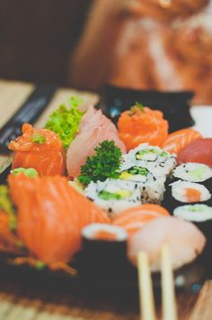eat sushi in japan!!