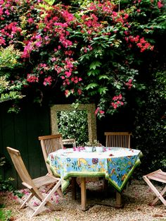 Garden dining nook... (Houzz   Lisa Borgnes Giramonti)