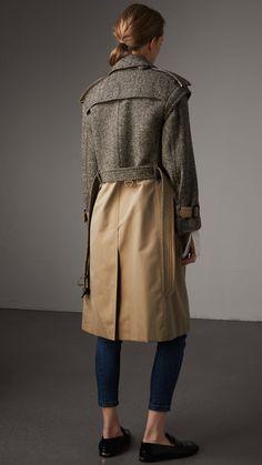 Trench coat en algodón de gabardina y tweed de Donegal (Blanco Natural/negro) - Mujer | Burberry