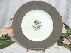 Wedgwood China Dinnerware Elaine Pattern #:W4241 Dinner plate