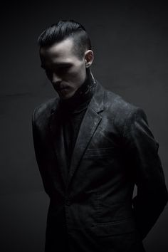 Akaldin inspiration. (Yeah...I imagine him kind of gangster/punk like...)