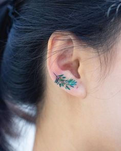 24 Mejores Imágenes De Tatuajes En La Oreja En 2019 Small