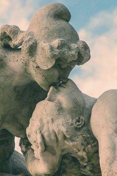 The Altar of the Fatherland's Statue, Rome, Italy. Graffiti Kunst, Cemetery Art, Fantasy Kunst, Aesthetic Art, Oeuvre D'art, Art History, Sculpture Art, Art Inspo, Sculpting