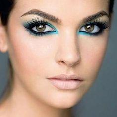 maquiagem azul turquesa