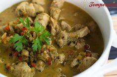Curry de filé mignon suíno com leite de coco + bulletproof coffee (café com manteiga?)