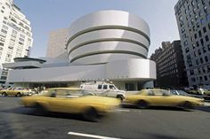 """Guggenheim Museum Designed by Frank Lloyd Wright one of the few examples of """"making strange"""" in NYC, where something so doesn't fit with everything that has come before, that it fits perfectly. Difference is one of the harder things to do well. Organic Architecture, Concept Architecture, Architecture Design, Memphis, San Diego, New York Museums, Architectural Section, I Love Ny, California"""
