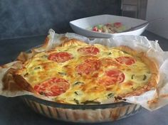 Puff pastry tart with zucchini, goat cheese, bacon or tomato - Cuisine - Hühnerrezepte Tart Recipes, Egg Recipes, Pizza Recipes, Cooking Recipes, Quiches, Omelettes, Salty Tart, Y Recipe, Recipes