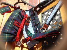 Borsa da passeggio in tessuto tartan in lana e rifiniture maglia ed uncinetto