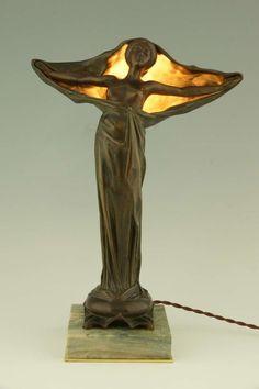 Deco Art - Art Nouveau figural bronze lamp by Victorin Sabatier, France Belle Epoque, Bronze Art, Lampe Art Deco, Jugendstil Design, Art Nouveau Furniture, Art Deco Stil, Art Nouveau Architecture, Art Nouveau Design, Antique Lamps