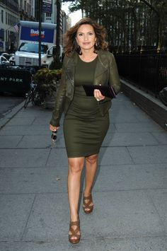 Mariska Hargitay---- love her style both in her personal life and as Olivia Bensen on SVU... plus we share the same body shape
