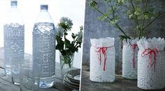 Come realizzare un centrotavola in pizzo - Eco-Weddings Lace Centerpieces, Marie Claire, Vases, Decoration, Pillar Candles, Diy, Bottle, Home Decor, Lace Vase