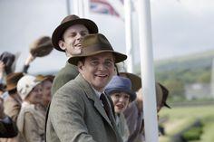 Downton Abbey S6 E7 | At the racetrack - Tom & Bertie