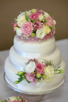 Svatební dort / wedding cake.