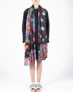"""""""Sea Flower"""" Stole https://en.tsumorichisato.com/collections/accessories/products/sea-flower-stole-tc67ad066-30-f"""