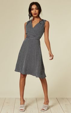 Looking for Day Dresses? Call off the search with our Navy Striped Wrap Midi Dress. Shop unique fashion at SilkFred Little White, Navy And White, Knee Wraps, Summer Picnic, White Cardigan, Navy Stripes, Unique Fashion, Day Dresses, Fitness Models